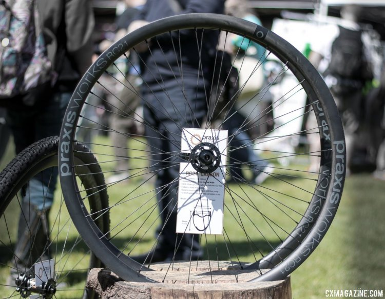 praxis-works-rc21-carbon-tubeless-wheel-img_1239-cxmagazine-ay_1_1-750x583